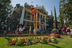 disneyland u0027s haunted mansion closes to prep for halloween u2013 orange