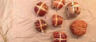 hot buns review hot cross bun review melbourne