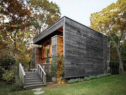 long island summer home gets a modern addition dwell