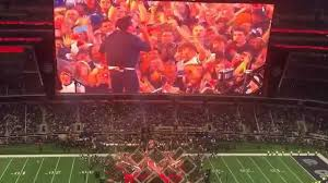 thanksgiving football 2015 halftime show with luke bryan