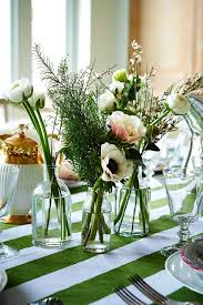 Christmas Floral Table Decorations Uk by Flowers U0026 Foliage For Christmas Table Christmas Table Ideas