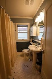 bungalow bathroom ideas 86 best bungalow bathrooms images on bathroom ideas