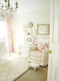 chambre fille et blanc décoration pour la chambre de bébé fille archzine fr