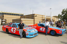 Dodge Challenger Nascar - king richard petty honored in stp u0027s nascar return autoevolution