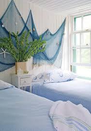 Schlafzimmer Deko Blau Blaues Fischernetz Gegen Die Weiß Gestrichene Wand Deko