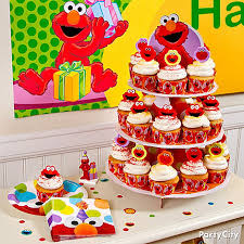 elmo decorations decorate and display cupcakes with the elmo cupcake kit which