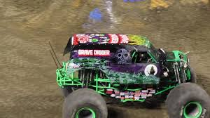 grave digger monster truck 30th anniversary monster jam anaheim 2017 grave digger free style youtube