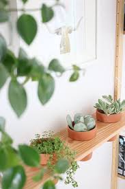 Diy Hanging Planter by Diy Hanging Planter Shelf Hello Lidy