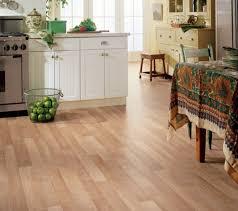 vinylboden für küche vinyl bodenbelag verlegen was sie über den vinyl boden wissen sollten