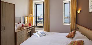chambre vue sur mer chambre vue sur mer chambre 2 etoiles à île en mer à l