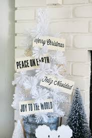 Winter White Christmas Decorations by Black And White Christmas A And A Glue Gun
