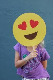alice and loisdiy emoji masks