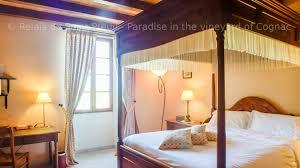 chambres d hotes cognac le patachon le patachon lit baldaquin dans une maison d hôtes