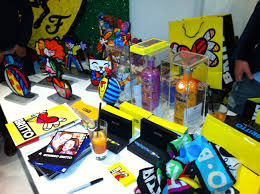 romero britto thatsoyoo a new shopping experience we meet romero britto pop