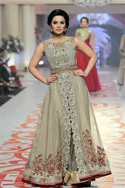 famous 5 pakistani fashion designers we want in india soon