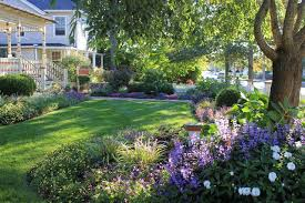 front yard landscape in ridgefield connecticut traditional