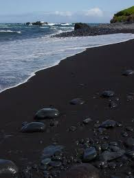 black sand beach hawaii black sand beach maui living in hawaii moving to oahu maui