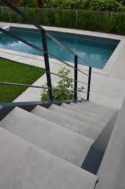 bloc marche escalier exterieur escaliers pierre et béton classique et contemporain rouvière