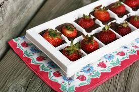 chocolate covered strawberries where to buy chocolate covered strawberries made in an cube tray cheap