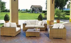 arredo giardino modernizzare il giardino con l arredo giardino in rattan