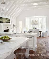 30 stunning interior living spaces with exposed ceiling trusses interior living spaces exposed ceiling trusses 06 1 kindesign