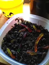dirt n u0027 worms u2013 a classic halloween treat modern day betty crocker