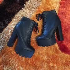 s qupid boots 57 qupid shoes qupid iggy black chunky platform boots sz 10