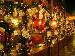 How To Put Christmas Lights On Tree by Christmas Lights The Ultimate Way To Decorate Your Home
