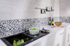 carrelage credence cuisine design credence en zinc avec id e cr dence cuisine fresh carrelage credence