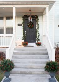 Christmas Decorations For Front Door Porch by Holiday Decorating Ideas For The Front Door