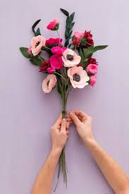 felt flowers send your bff this felt bouquet for galentine s day brit co
