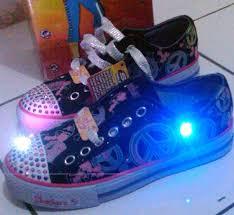 Sepatu Sketcher Anak Perempuan terjual bnib sepatu anak perempuan pakai lu led bisa nyala