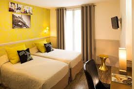 chambre a deux lits chambre deux lits photo de hotel de la cité rougemont
