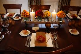 simple dinner table setting