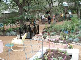 Front Yard Landscaping Ideas No Grass - garden and patio creative diy kid friendly backyard landscaping