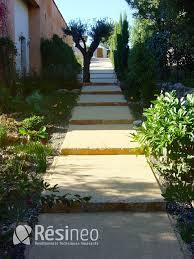 revetement pour escalier exterieur escalier extérieur avec un sol drainant résineo