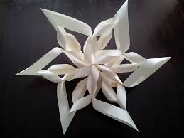 little townhome love paper snowflake wreath craft