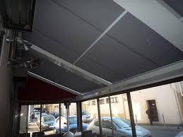 Veranda Pour Terrasse Installation D U0027un Store De Véranda Pour Terrasse De Restaurant à