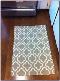Rubber Backed Area Rugs Appealing Washable Kitchen Rugs With Rubber Backing 56 Washable