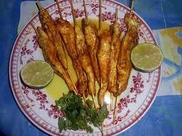 cuisiner des filets de poulet recette de filets de poulet en brochette