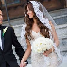 hairstyles with mantilla veil 1556 best medium hairstyle images on pinterest hairstyle ideas