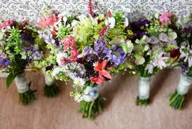 wedding flowers for september and laurie s picnic wedding in shropshire with