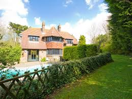 holiday home with swimming pool for rent near eastbourne