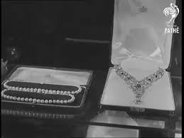 wedding gifts elizabeth jewels in motion elizabeth ii s wedding gifts the court