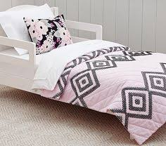 Toddler Bedding Pottery Barn I Love The Daisy Garden Quilted Toddler Bedding On Potterybarnkids