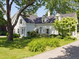 Beach House Rental Maine - beautiful chestnut street just steps to the beach and village