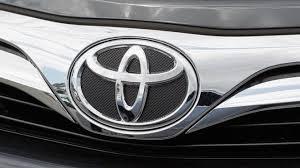 toyota car recall crisis toyota recalls 6 5 million cars window defect