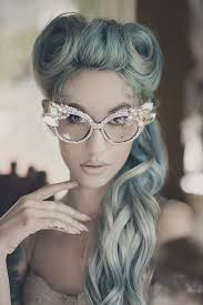 grey hairstyles for younger women granny hair trend why young women are dyeing their hair gray