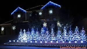 an elaborate christmas light display synced to the music of u0027star