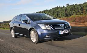 toyota avensis toyota avensis tourer 2009 2015 features equipment and